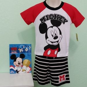 2 piece Mickey Mouse w/coloring book